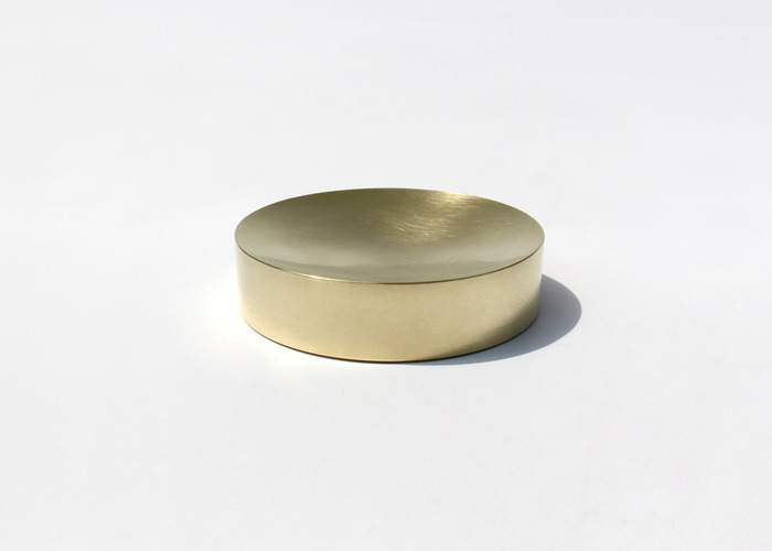 SOLID ROUND CONTAINER. BRASS, MEDIUM