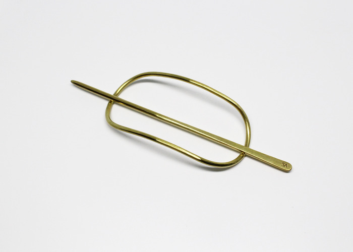 NATURAL WIDE HAIR PIN. BRASS
