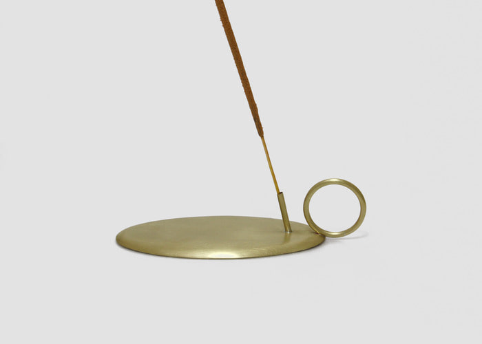 LOOP INCENSE HOLDER. BRASS