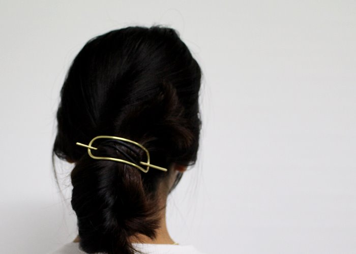 LOW HAIR PIN. BRASS